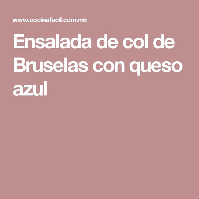 Ensalada de col de Bruselas con queso azul