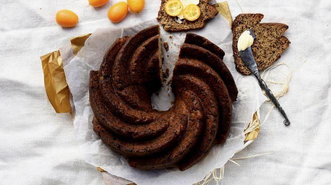 Joulun saaristolaisleivän voi leipoa myös kakkuvuoan sisään.