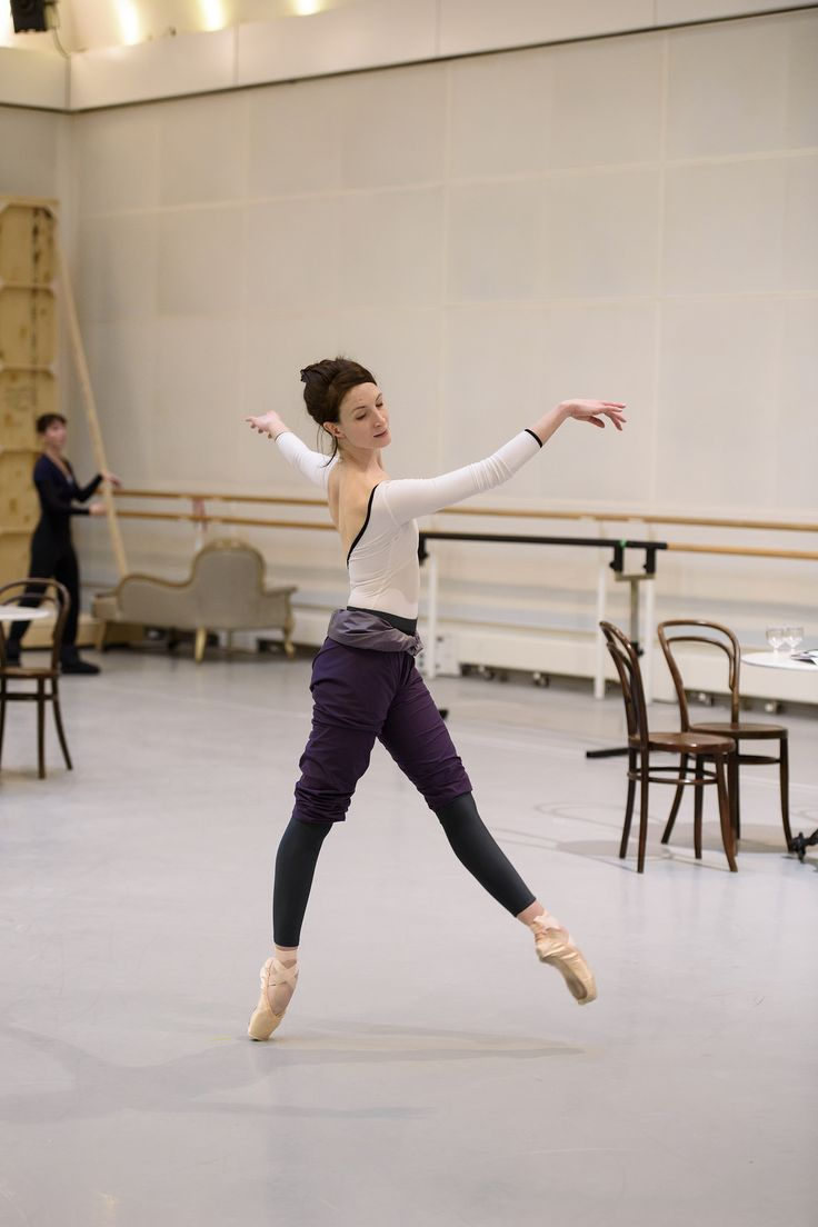 https://flic.kr/p/DjTiu8 | Lauren Cuthbertson in rehearsal for Strapless, The Royal Ballet © 2016 ROH. Photograph by Bill Cooper | Lauren Cuthbertson in rehearsal for Christopher Wheeldon's Strapless, The Royal Ballet Season 2015/16 www.roh.org.uk/productions/strapless-by-christopher-wheeldon