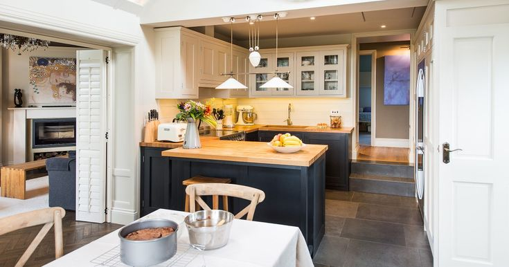 Bespoke kitchen cabinetry: focusing on functionality and design - AMLY build