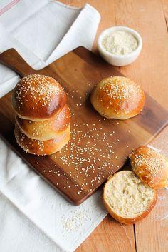 Homemade buns {sans lait} - aime & mange