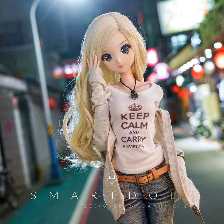 """Out n about with Melody this evening in #Taipei. 夜の台北を探索中のメロディーちゃん。#smartdoll"""