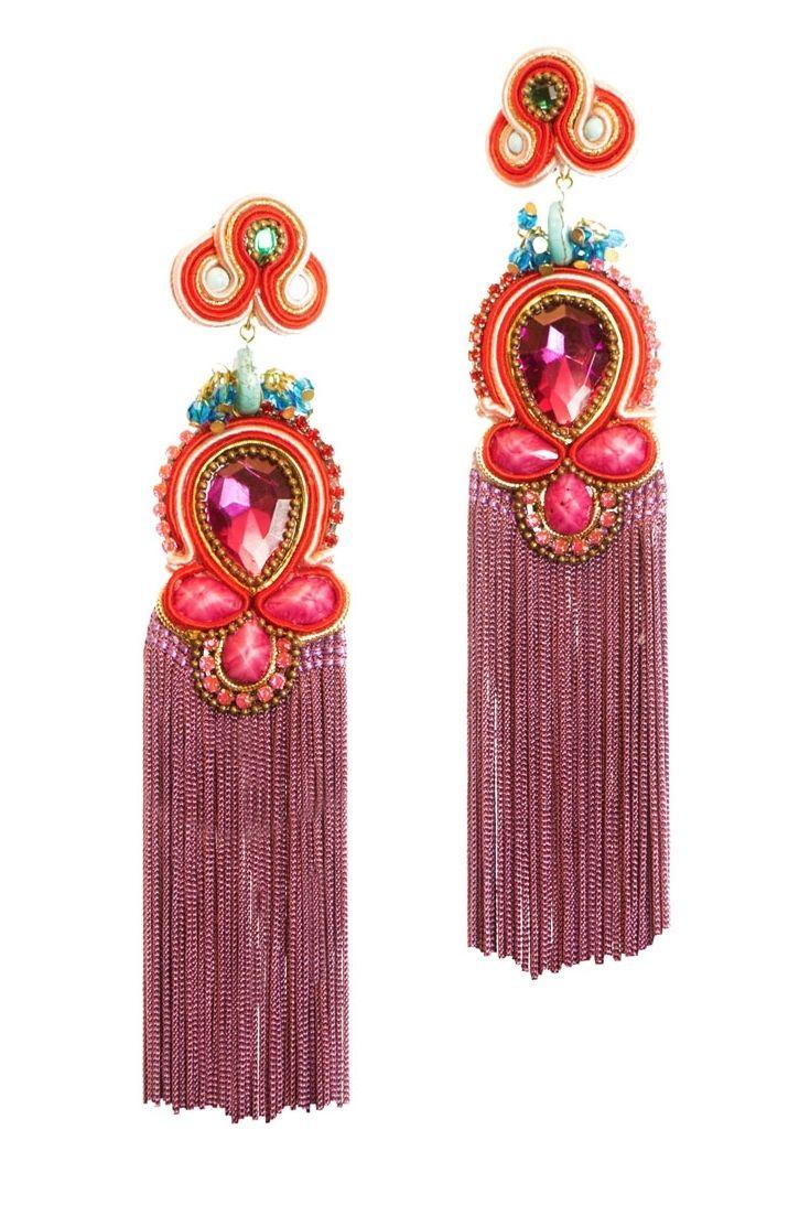 Pendientes de #flecos largos en tonos rosas y malvas de BR Complementos.