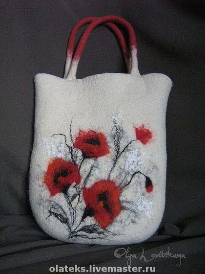 Купить или заказать Большая яркая красивая удобная войлочная сумка 'МАКИ' в интернет-магазине на Ярмарке Мастеров. Легкая удобная вместительная валяная сумка для каждого дня. Длина ручек позволяет носить ее в руках, на согнутой руке и на плече. Декор в органическом стиле, яркий и выразительный, но не кричащий. Может служить чехлом для планшета или ноутбука. Цветовое решение, характер декора, подкладка и застежка, а также другие детали могут варьироваться по желанию заказчика.