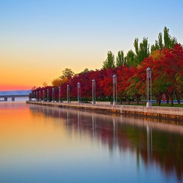 """Typical autumn morning in Canberra."" Instagrammer @lambdalevel beautifully captured the many vibrant colours of autumn in Canberra. #visitcanberra #seeaustralia"