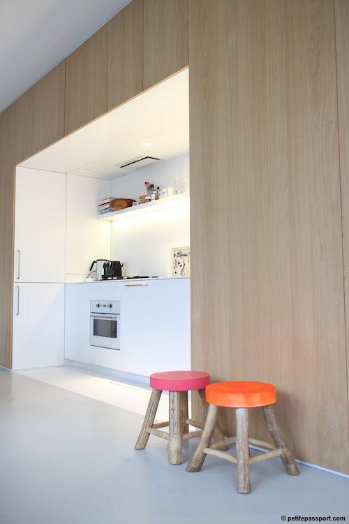 eßzimmer u. durchgang dunkler oder farbig und küche knallweiß und viel licht einrichten