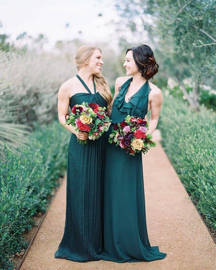 Beautiful Emerald green bridesmaid dresses with fall wedding bouquet #bridesmaids #fallbouquet #emeraldbridesmaiddress