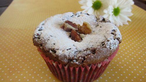 Tostaditos por fuera y suaves y húmedos por dentro, adivinen qué son…..? Cupcakes de brownie! [[MORE]] En estos últimos años se han puesto muy de moda los cupcakes, esos pequeños queques individuales...