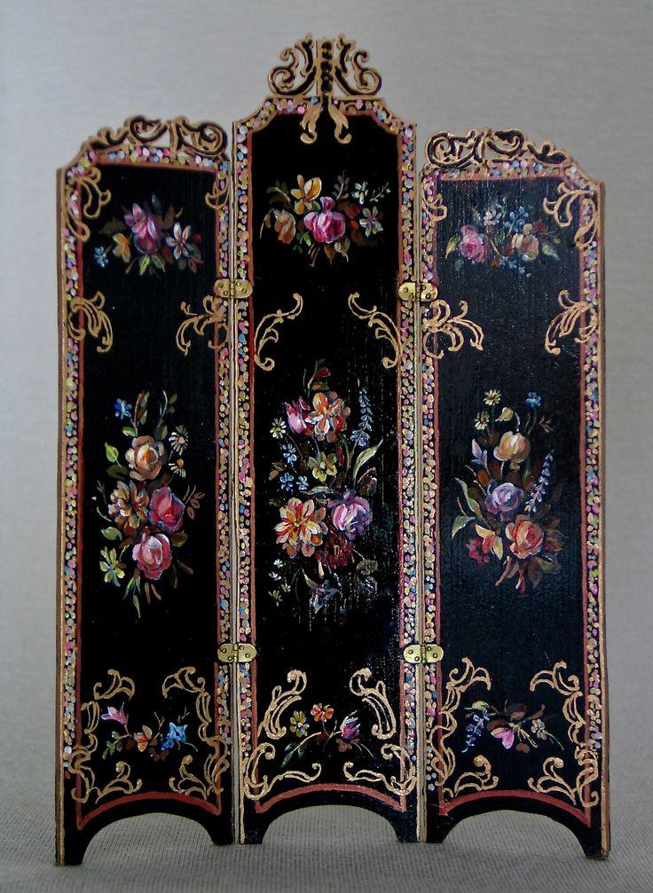 Natasha Beshenkovsky Victorian screen with carved top