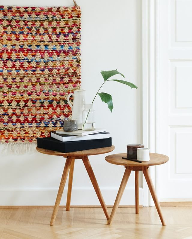 Decorative blankets can bring colour to any living room, Anna claims. Two designs, two sizes. In stores now. Prices from DKK 78,00 / SEK 98,00 / NOK 99,00 / EUR 9,98 / ISK 2409 / GBP 8,78  NB! The coffee tables are not available for purchase in Ireland and UK.  Coffee tables:  Dia. 40cm, price DKK 249,00 / SEK 344,00 / NOK 348,00 / EUR 34,44 / ISK 6878  Dia. 50cm, price DKK 398,00 / SEK 548,00 / NOK 788,00 / EUR 54,88 / ISK 11069  Søstrene Grene's interior catalogue is available online on…