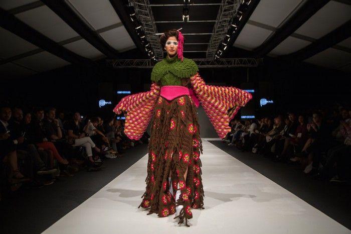 Kimono vert dans Jorge Salinas défilé de mode