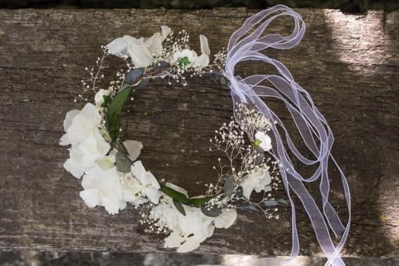 Check out this item in my Etsy shop https://www.etsy.com/uk/listing/518873887/babys-breath-hydrangea-floral-crown