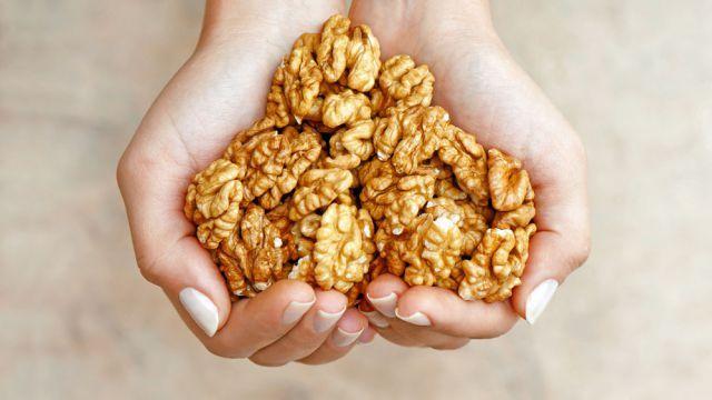 Ako uchovať vylúpané jadrá vlašských orechov čo najdlhšie čerstvé? Takto vám vydržia aj dva roky | Casprezeny.sk