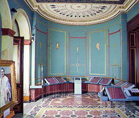 Οικία Schliemann. (ή Ιλίου Μέλαθρον ή Νομισματικό μουσείο). Η τραπεζαρία της οικογένειας στο 1ο όροφο. Σήμερα είναι το δωμάτιο των δωρητών του μουσείου.