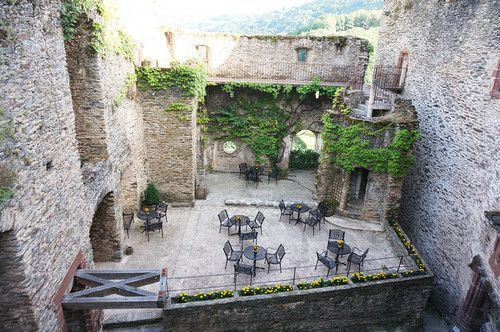 DOMINO:A Dreamy Vacation at a Castle in the French Countryside