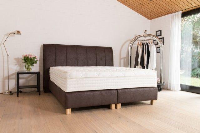100% Handmade in OWL - Amerikanisches Boxspringbett Marcato für ein stilvolles Schlafzimmer. Individuelle Fertigung in traditioneller Manufaktur.