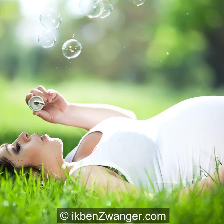 Ik ben nu echt aan het #aftellen, nog 9 weken werken en dan lekker met #zwangerschapsverlof. Merk wel dat het #werken zwaarder wordt. Helaas voor onze uk die al rondloopt, want die wil ook aandacht. http://www.ikbenzwanger.com/27-weken-zwanger-aftellen-verlof-blog-roosje.php
