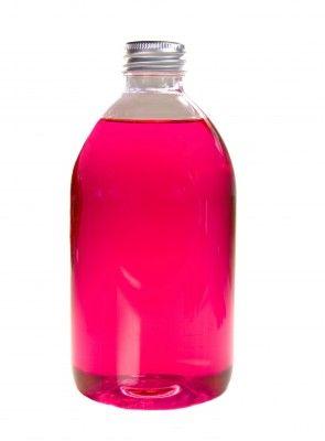 glasreiniger recept: Combineer 170ml witte (schoonmaakazijn) met 330ml gedistilleerd of gekookt water en voeg maximaal 5 druppels citroen en/of lavendel olie in een sprayflacon.