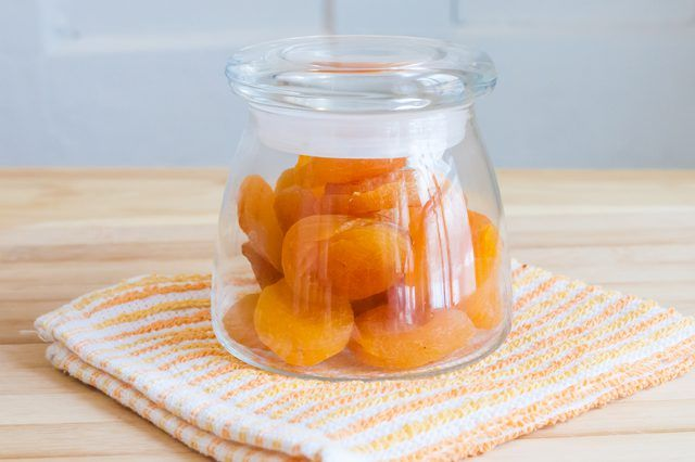 Apricots, which contain lots of healthy vitamin C and vitamin A, won't last more than a few weeks in the refrigerator unless you dehydrate them. Dehydrated apricots can last up to two years in the fridge, and you can dry them out yourself in a dehydrator or your oven. Prepping the Apricots Use ripe but …