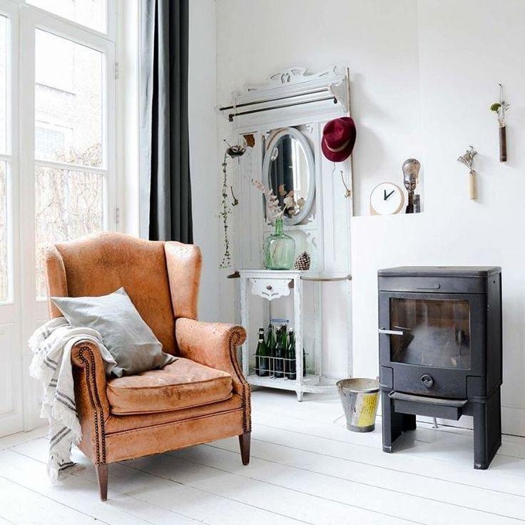 BINNENKIJKEN • een heerlijke luie stoel is all you need! Meer op vtwonen.nl/binnenkijken