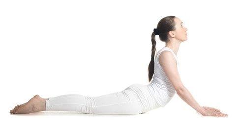美しいくびれ作りに重要なのは、実は背中にある「広背筋」なんです。腹筋をしているのに、なかなかくびれないという方は早速取り入れてみてください!分厚い背中もカーブのないウエストもこれで解決できますよ♡