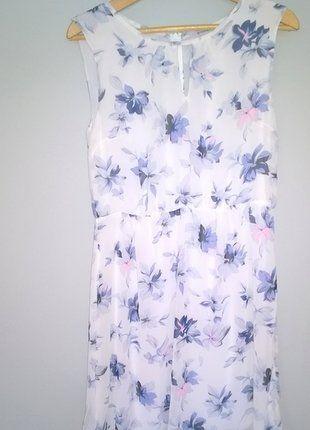 Kup mój przedmiot na #vintedpl http://www.vinted.pl/damska-odziez/krotkie-sukienki/16630493-sukienka-mgielka-niebieskie-kwiaty-romantyczna-greenpoint-40-lezka