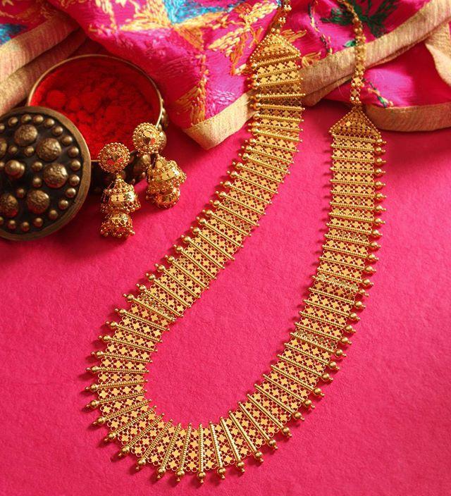 Chandanhaar or Ranihaar? Why not both in one? #MJGoldNeckpiece #Jewellery #Manubhai #Mumbai #Borivali