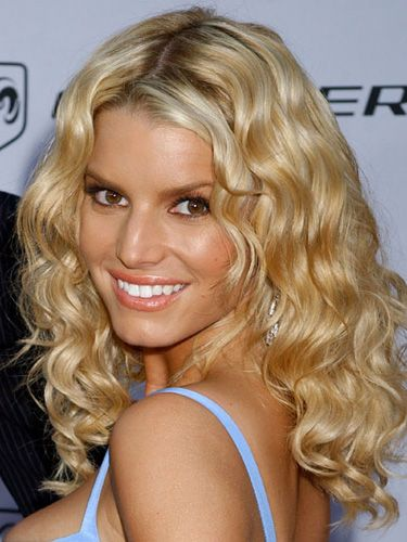 jessica simpson haircuts 24 glamourous ways to show your curls hairstyles 2216 | b6aac090cc9b556da1a959f19cdaef0a