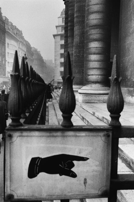 Sergio Larrain, Square St.-Philippe du Roule, Paris, 1959