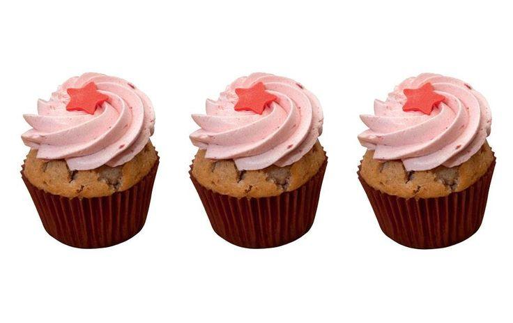 Opskrift på jordbær-cupcakes - ALT.dk
