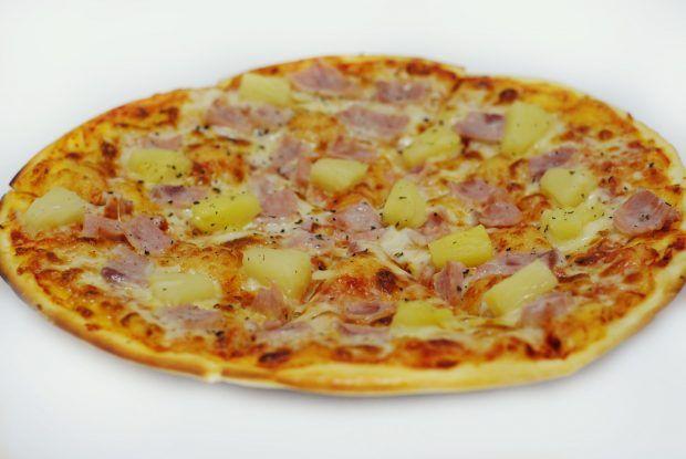 Гавайская пицца с ананасами и курицей https://www.go-cook.ru/gavajskaya-picca-s-ananasami-i-kuricej/  Перед вами рецепт классической американской пиццы, которая подразумевает исключительно блаженство. Её совсем не надо солить, сок от ананаса придаст ей нужный вкус. Этому же поспособствует и мелко тёртый сыр. Гавайская пицца с ананасами и курицей Время подготовки: 15 минут Время приготовления: 30 минут Общее время: 45 минут Кухня: Американская и Канадская Тип: Второе блюдо Порций: … Читать…