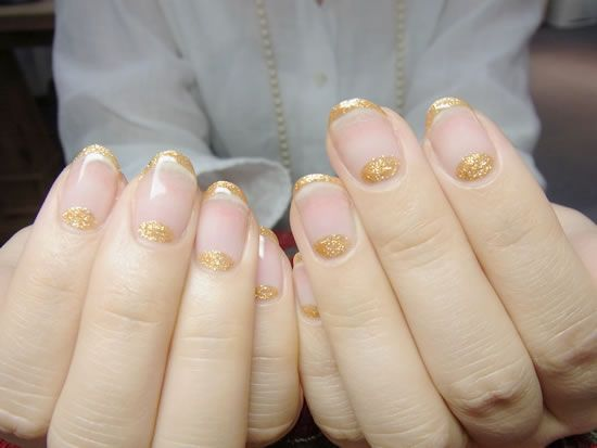 NAIL-COMMON: gold french nail