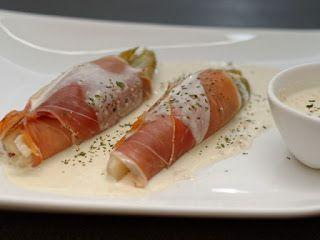 Ma Cuisine et Vous | Endives vapeur, sauce parmesan et foie gras |  Préparation: 15 minutes      Cuisson: 20   minutes       Ingrédients   (pour 4 personnes):    4 ...