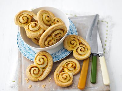 Sun-Dried Tomato and Rosemary Palmiers - Shown on Lorraine Pascale's show. Seemed super easy, and you can vary the filling. She suggested olive tapenade, but they can be made sweet too.