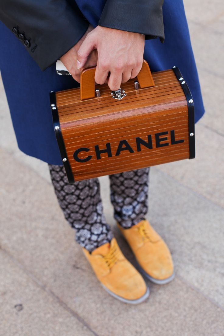 sick chanel bag/box