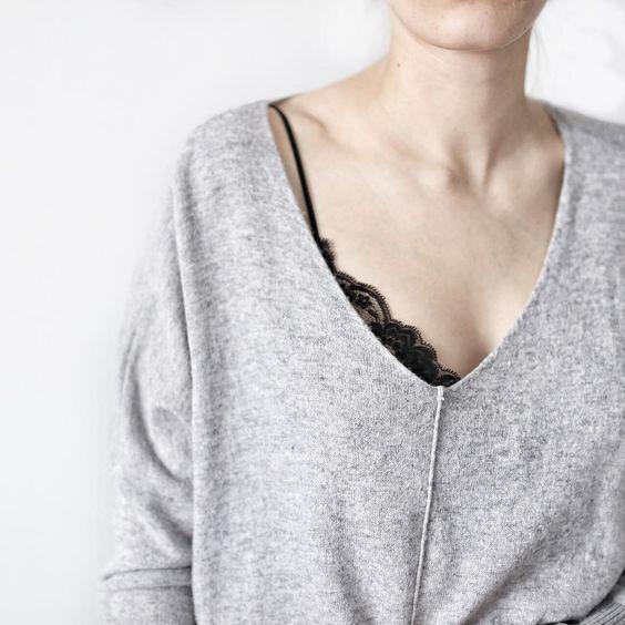lace bra | image: instagram.com/ice.blue.eyes