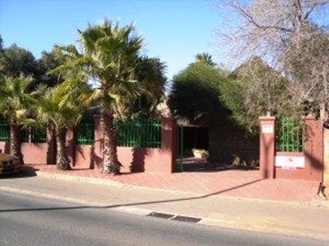Falco's Rest Guest House - Falco's Rest Guest House offers basic accommodation in a central location, close to the city centre and local stadiums. It is ideal for business travellers or those passing through the area. Guests will ... #weekendgetaways #kimberley #diamondfields #southafrica
