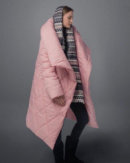 Мы расскажем вам, почему зимние пуховики это круто, какие модели в тренде и как их лучше носить.
