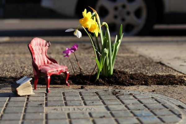 Urban Interventionism: Steve Wheen's Pothole Gardens are Tiny Living Worlds.    Been researching on urban art intervention and this one is probably the cutest.