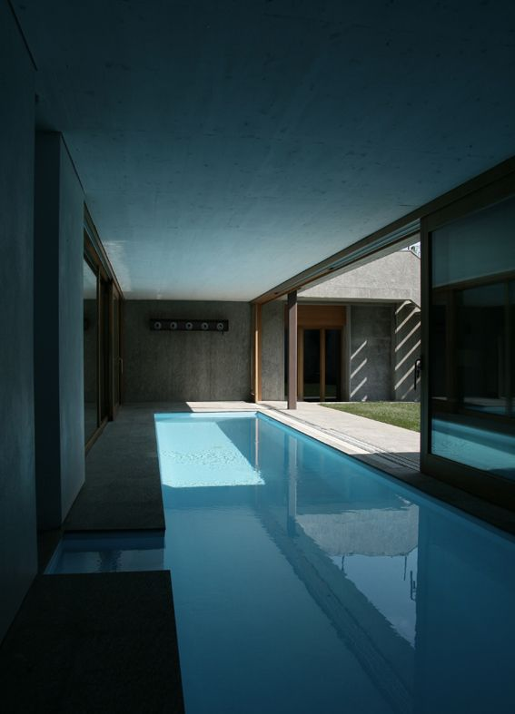 Indoor pool inside the Casa DBC in Italy by Act Romegialli architecture (photo © Marcello Mariana) _