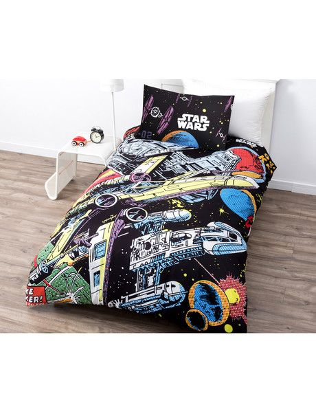 Every Star Wars fan will love this bright comic strip style duvet cover set.