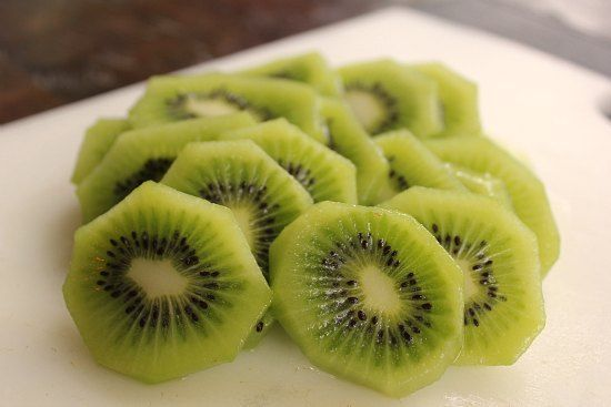 Kiwi fruit slices can be availed online at GuruJi supermarket in New Zealand.