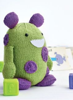 Beginner Knitting Patterns Stuffed Animals : 17 Best ideas about Knit Animals on Pinterest Knitted animals, Crochet anim...