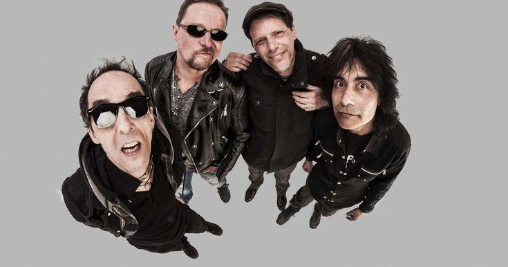 """http://ift.tt/2kX4s2g http://ift.tt/2kWY37f  LOS VIOLADORES la banda más importante de punk rock latinoamericano integrada por Pil Trafa (voz) Stuka (guitarra) Robert Wojtehk """"Polaco"""" Zelazek (bajo) y Sergio Gramática (batería) se junta una vez más para presentar su nueva producción en vivo: LUNA PUNK grabado en el exitoso regreso del grupo en el mes de abril de 2016 en el Estadio Luna Park. Las funciones serán los días sábado 18 de febrero en el Teatro Flores (Av. Rivadavia 7806) y el…"""