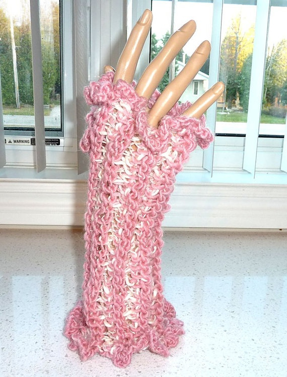Fingerless Gloves Crocheted Pink and Cream by SouthamptonCreations, $14.00