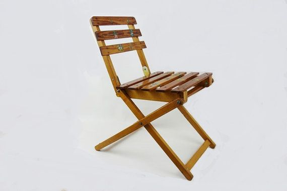 Vintage Kid's Folding Chair Made of Wood by oppning on Etsy https://www.etsy.com/listing/265653978/ €38