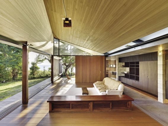 "Peter Stutchbury ""Wall House"" in Shizuoka, Japan"