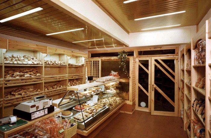 Bakery interior design italian style bakery pinterest for Bakery shop interior decoration