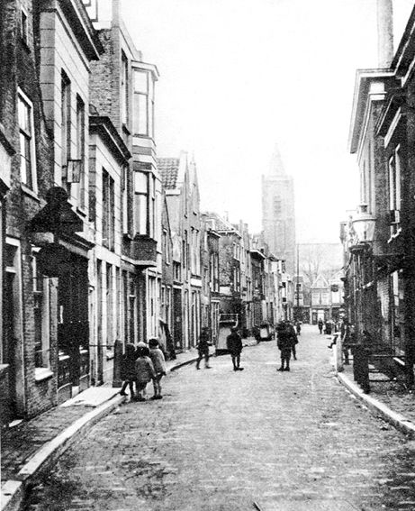 Schiedam Lange Achterweg 1930 richting de Sint Jans kerk