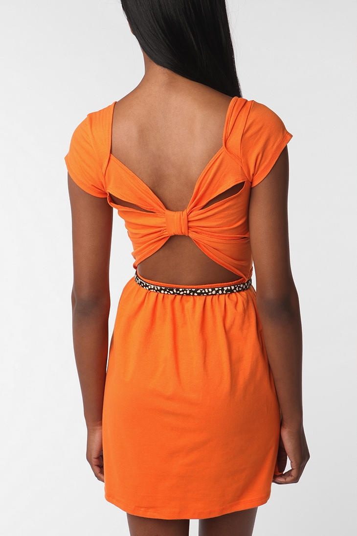 love this!: Summer Dresses, Games Day Dresses, Urban Outfitters, Orange Dresses, So Cute, Cute Dresses, Games Day Outfits, Colors Schemes, Bows Back Dresses
